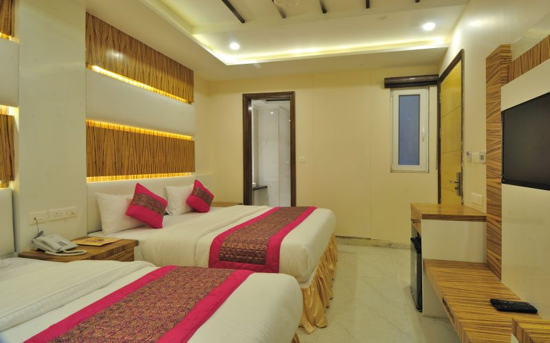 Hotel Aman Continental-image-12