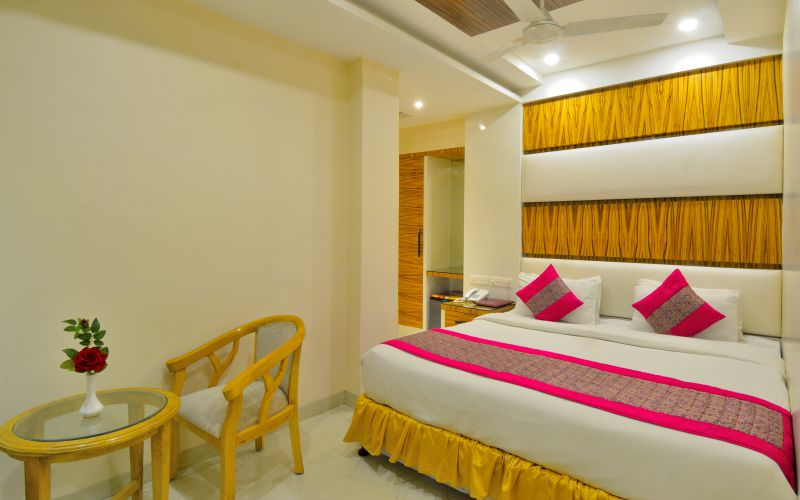Hotel Aman Continental-image-9