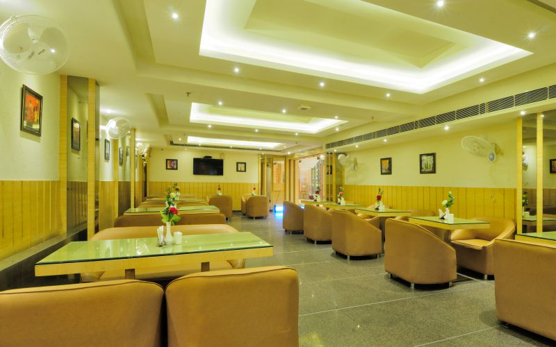 Hotel Aman Continental-image-3